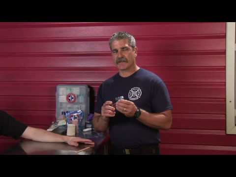 First Aid Tips : How to Treat a Jammed Finger or Toe