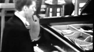 Скачать Чайковский Концерт 1 для фортепиано Ван Клиберн 4