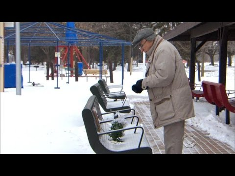 Thumbnail: Act of kindness helps elderly man honor late wife