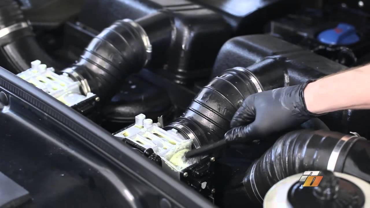 How To Clean Your Engine Bay Cleaning Engine Demonstration By Auto