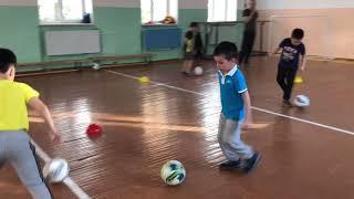 Играй в футбол Play soccer