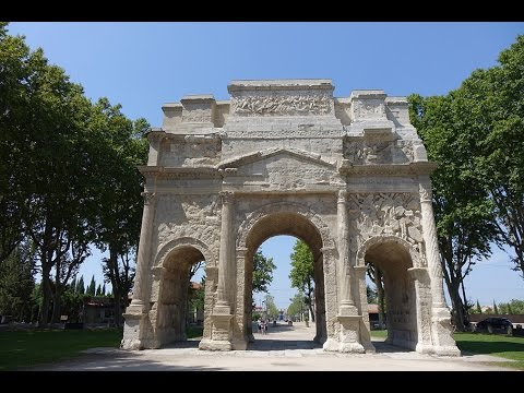 Triumphal Arch in Orange in 4K