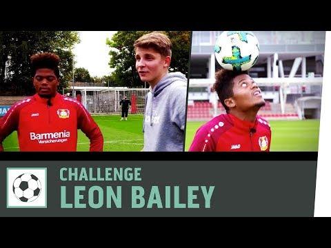 Dribbel-Duell vs. Leon Bailey | Bayer 04 Leverkusen | Fußball-Challenge | Kickbox