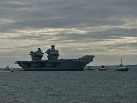 """Normandie"" & HMS ""Queen Elizabeth"" arriving into Portsmouth - 21/11/2017"