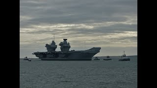 """Normandie"" & HMS ""Queen Elizabeth"" arriving into Portsmouth - 21/11/2017"