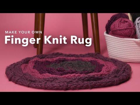 Finger Knitting Hula Hoop Rug   DIY Home Decor