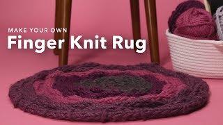 Finger Knitting Hula Hoop Rug | DIY Home Decor
