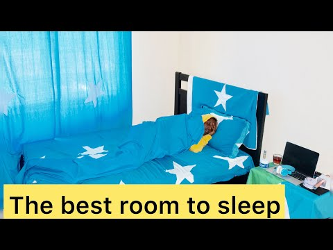 HOW I TRANSFORMED MY ROOM INTO A SOMALI FLAG! thumbnail
