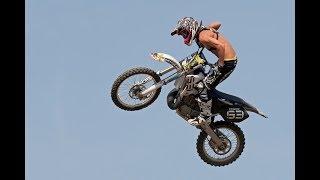 ПРЫЖКИ. ПРЫЖКИ НА МОТОЦИКЛЕ. КАК ПРАВИЛЬНО ПРЫГАТЬ С ТРАМПЛИНА.Motocross Jumping Techniques.