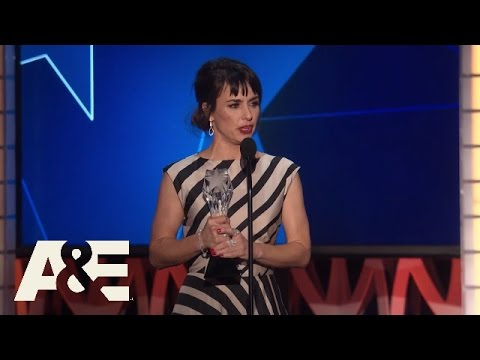 Constance Zimmer Wins Best Supporting Actress in a Drama Series  2016 Critics' Choice Awards  A&E