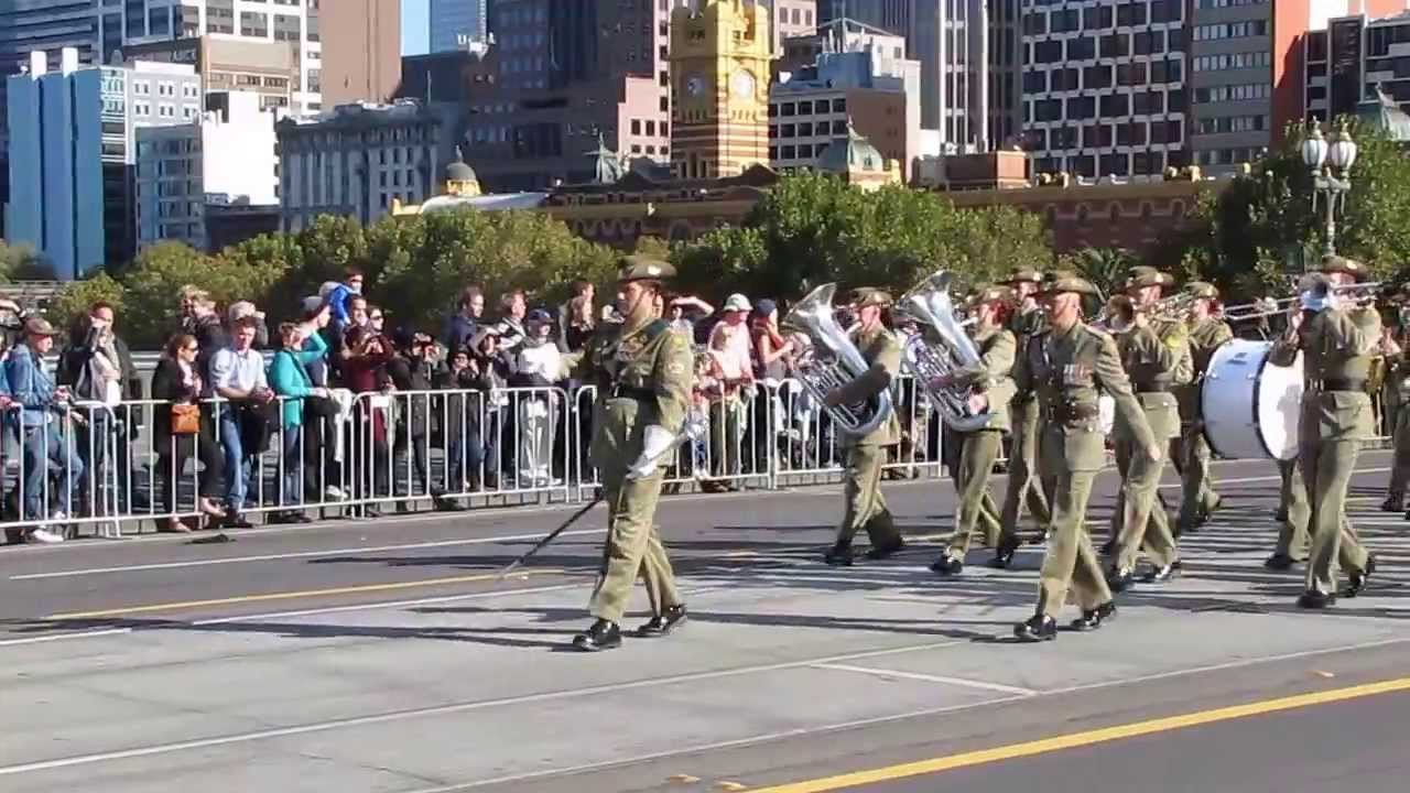 Australian Army Parade On Anzac Day In Melbourne Youtube