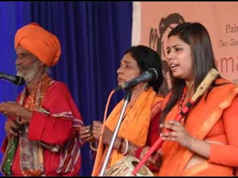 Baul artiste Madhu Sudan Baul performs in Kochi with wife Jayanti and  daughter Pooja