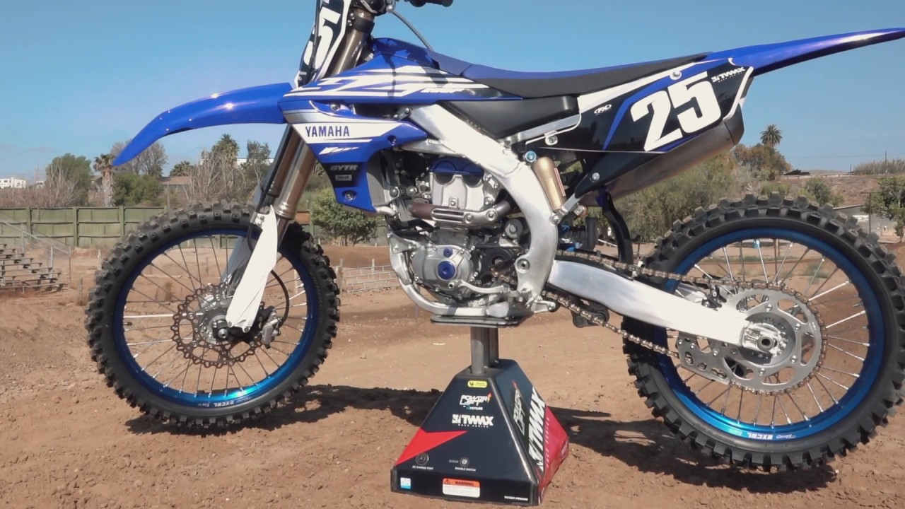 first impression of the 2019 yamaha yz250f youtube. Black Bedroom Furniture Sets. Home Design Ideas
