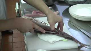04 生魚片切割及炸物示範