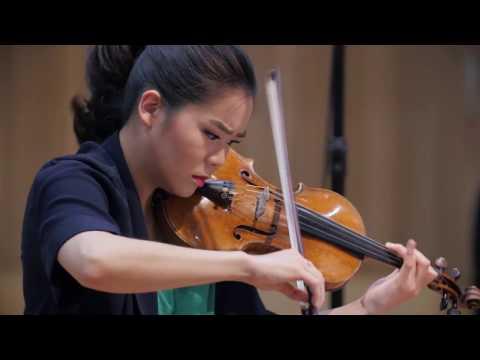 Tchaikovsky's Violin Concerto | Esther Yoo, Vladimir Ashkenazy & Philharmonia Orchestra