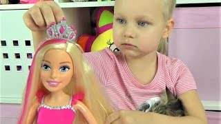 Большая кукла БАРБИ Алиса и кошечка Мася открывают большую куклу Барби Giant Barbie doll