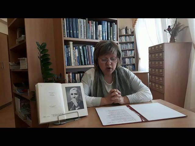 Изображение предпросмотра прочтения – МаринаМорозова читает произведение «Всю жизнь любил он рисовать войну» К.М.Симонова