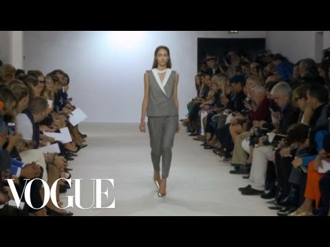 Giambattista Valli Ready to Wear Spring 2013 Vogue Fashion Week Runway Show