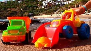 Мультфильмы про рабочие машины на пляже: учимся считать - видео для детей(Игрушечные рабочие машины приехали на пляж. Это видео про машинки научит малышей считать до 3х и подскажет..., 2014-09-23T11:35:22.000Z)