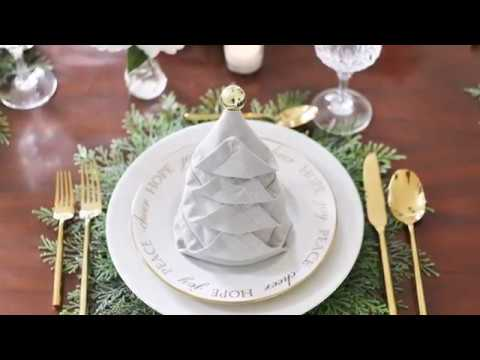 This Christmas Tree Napkin Is the Ultimate Party Trick