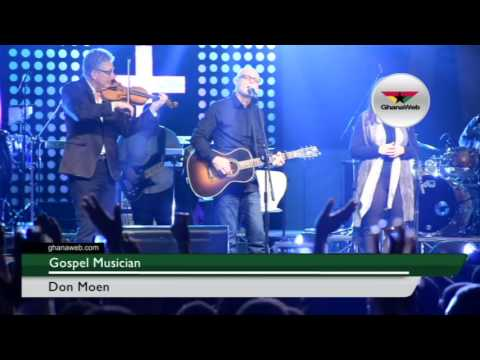 Don Moen and Darlene Zschech perform at Ghana Praise