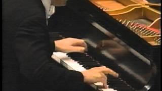 """ALFRED BRENDEL - BEETHOVEN PIANO CONCERTO NO. 5 """"EMPEROR"""" - MVT. 3 - PART 3/3"""