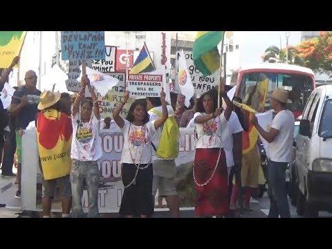 AKNL manifeste à Port Louis contre la privatisation des plages publiques