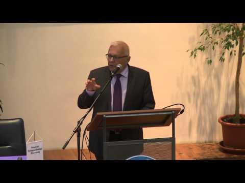Balázs Péter, a CEU professzora, az MKT alelnöke