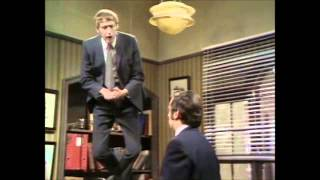 Monty Python's Flying Circus - Flying Lessons CZ subs