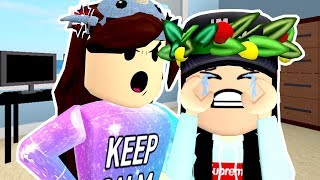 [ROBLOX] I MADE HER CRY!! / WELCOME TO BLOXBURG / GAMINGWITHPAWESOMETV