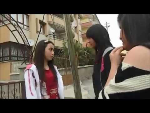 Harbi Kız vs. Barbi Kız ( Ve barbi kızın Tırt Sevgilisi ) Mutlaka İzlee