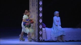 Repeat youtube video RAW Disney on Ice presents Frozen: 'Do You Want to Build a Snowman?'