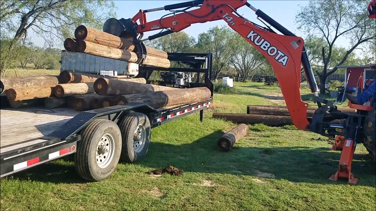 Kubota M62 Unloading post with Thumb