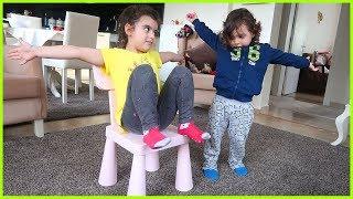 Yankı ile Yeşil Uzaylı Dansı Eşliğinde Sandalye Kapmaca Oynadık | Eğlenceli Çocuk Videosu