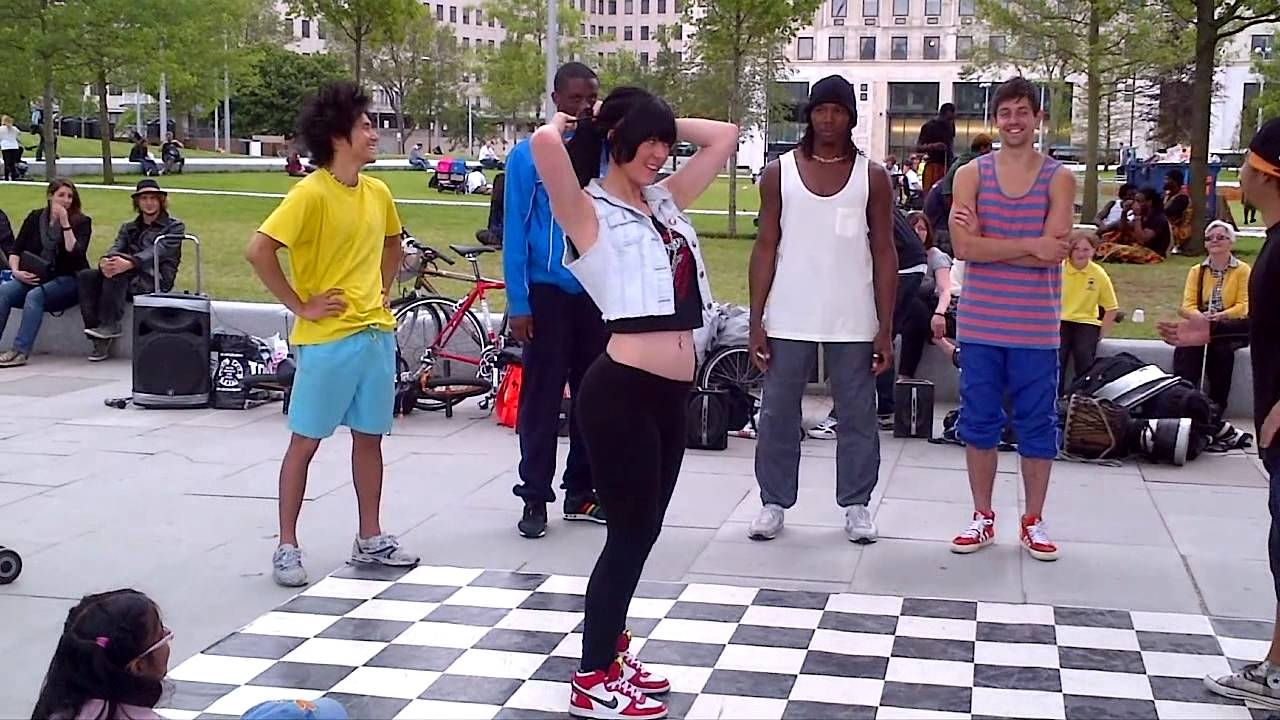 Absolutely Gorgeous Sexy Girl Volunteered To Street Dance