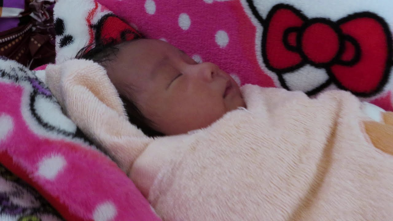 Papa and Mony Reach Cute Baby Video