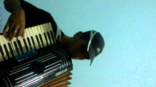 nicolas bagnasco tocando la acordeon