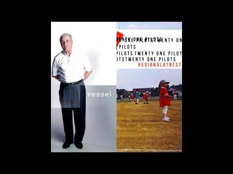 Twenty One Pilots - Lovely (Split)
