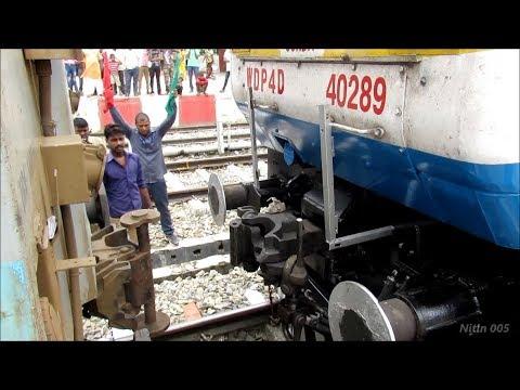 LOCO COUPLING with LHB RAKE | Ghazipur City - Indian Railways !!