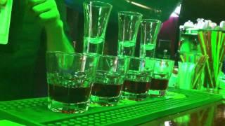 видео Как употреблять и подавать Jagermeister