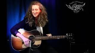 International Artist Vicki Genfan performs virtually for Great Artists - Small Venue