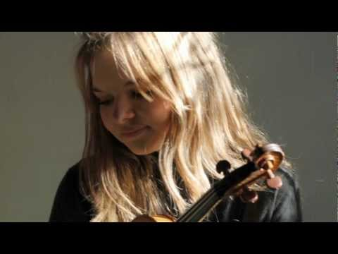 Laura Marzadori - Saint-Saëns, Violin Concerto n. 3, 2nd MOV.