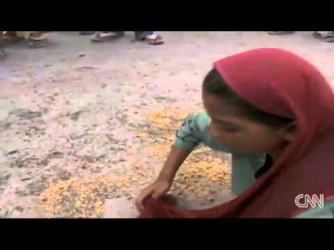 Desperate hungry people - 'Pakistan Flood 2010'