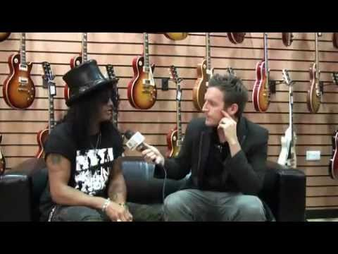 VIDEO INTERVIEW  Slash on his new signature wah pedal and second solo album  (MusicRadar.com)