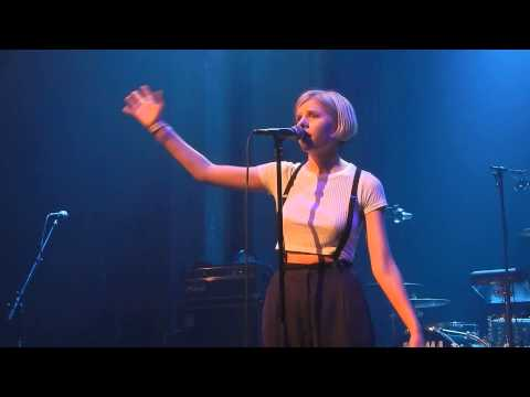 Aurora - Life on Mars (Bowie-cover) @Eurosonic 15/01/15