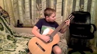 Зеленые рукава на гитаре