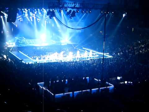 Janet Jackson Rock With U tour Chicago Show opening