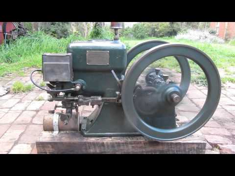 Hercules 1.5HP hit and miss stationary engine
