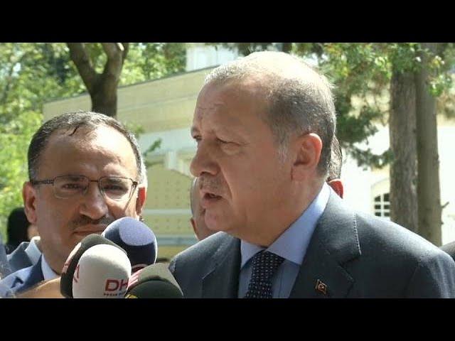 <h2><a href='https://webtv.eklogika.gr/' target='_blank' title='«Οδηγία» Ερντογάν σε Τούρκους ψηφοφόρους να καταψηφίσουν τη Μέρκελ'>«Οδηγία» Ερντογάν σε Τούρκους ψηφοφόρους να καταψηφίσουν τη Μέρκελ</a></h2>