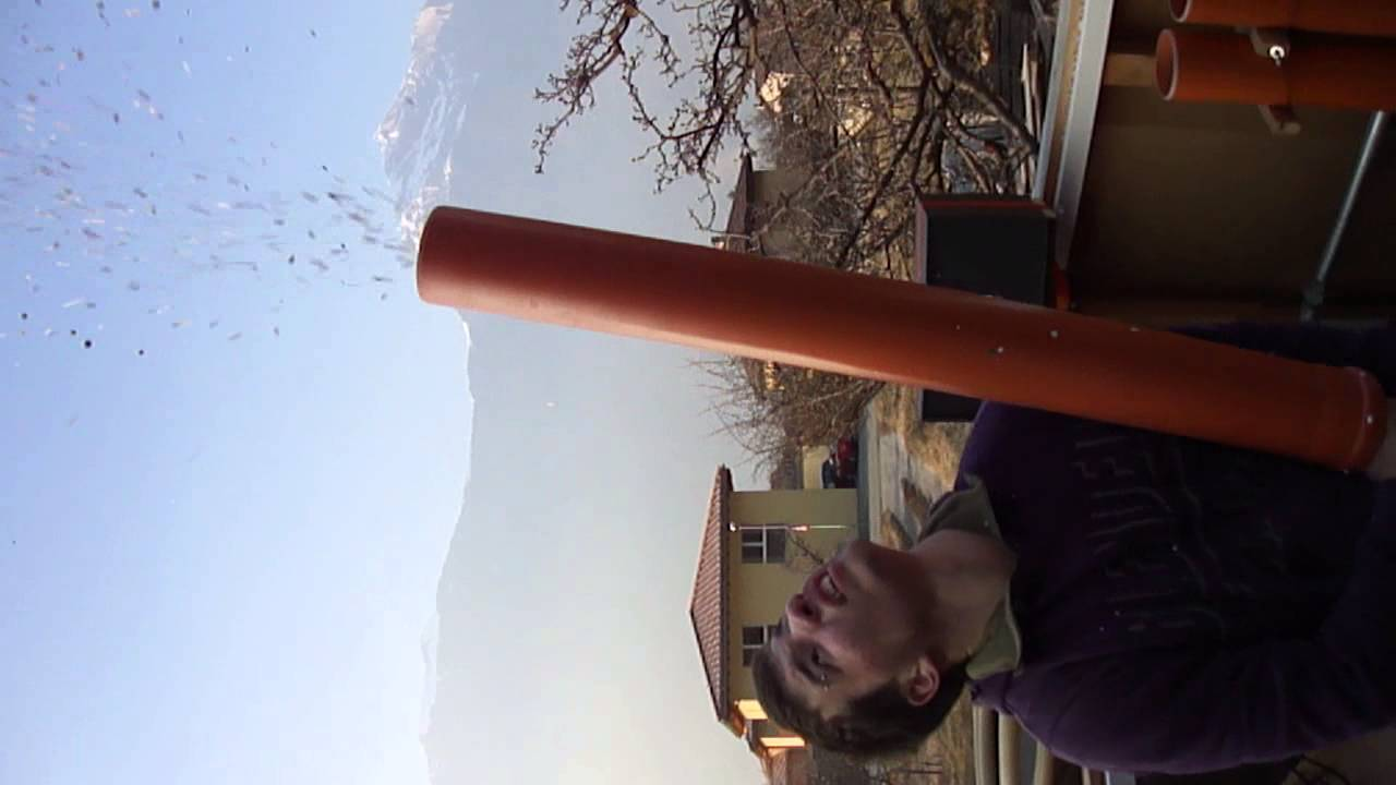 236deefdf70 Canon à Confettis Charrat - YouTube